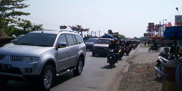 Video (FOTO) KONDISI ARUS MUDIK JALUR PANTURA  2011  Suasana Jalur Pantura