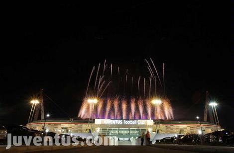 foto stadion juventus arena