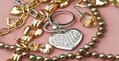 Panduan Saat Membeli Perhiasan