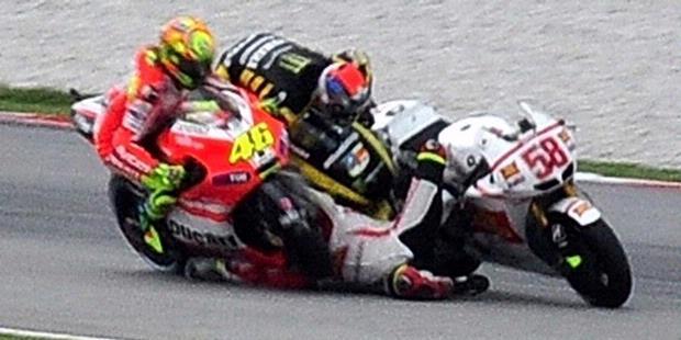 video dan foto kecelakaan Simoncelli, tewas, motoGP