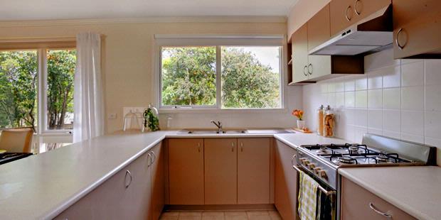 Aliran Udara Dan Cahaya Adalah Unsur Penting Yang Membuat Dapur Selalu Nyaman Maka Keberadaan Jendela Di Menjadi Sangat