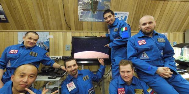 520 Hari Menuju Planet Mars
