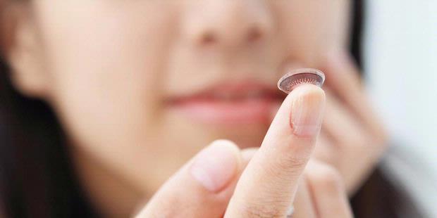 Manfaat Kontak Lensa Untuk Kesehatan