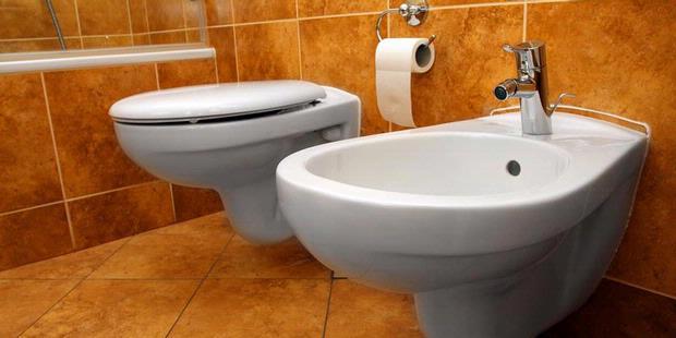 images of Jadigitu Jangan Terburu Buru Menyiram Toilet Setelah
