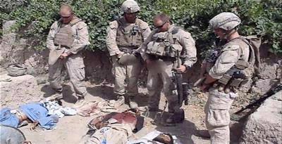 Gambar Video Korps Marinir AS mengencingi mayat