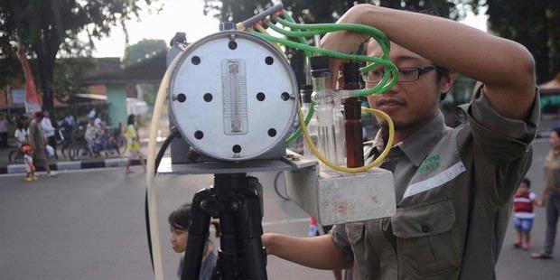 http://assets.kompas.com/data/photo/2012/02/17/1108134620X310.jpg