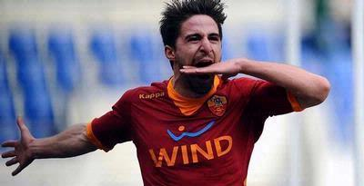 Kalahkan Palermo, Roma Geser Inter
