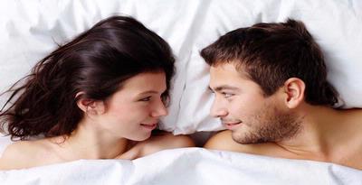 """Seks Lebih Menyenangkan Pakai """"Pelumas"""""""