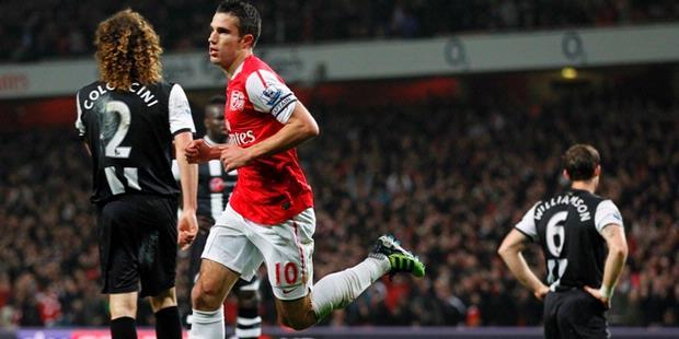HASIL AKHIR ARSENAL VS NEWCASTLE 2-1 LIGA INGGRIS 2012 | Gol Vermaelen Menjadi Pahlawan Arsenal Kali Ini.