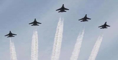 Saksikan Atraksi Puluhan Pesawat Tempur