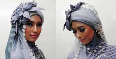 Kreasi jilbab untuk acara resespsi pernikahan cenderung lebih