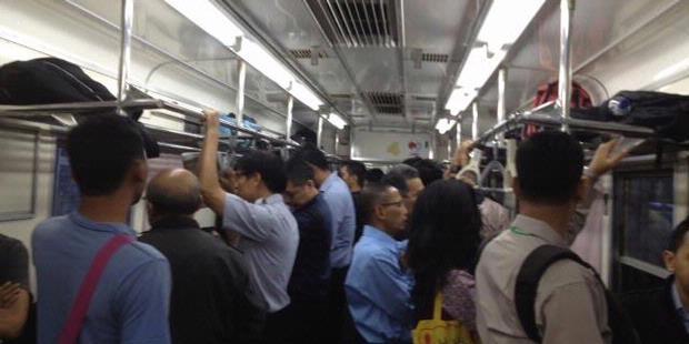 PT.KAI Naikan Daftar Tarif Commuter Line 2012