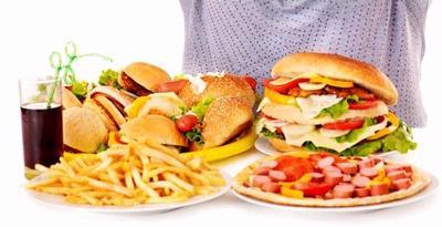 7 Tanda Anda Kebanyakan Junk Food