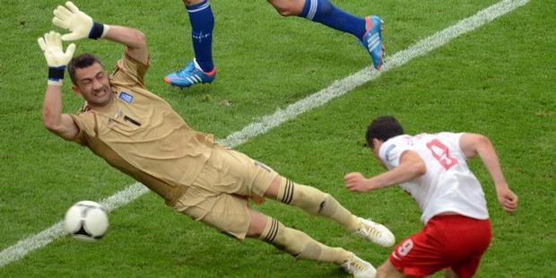 Polandia vs Yunani, EURO 2012, Jumat 8 Juni 2012