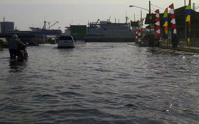 Lagi, Pelabuhan Tanjung Emas Semarang Terendam Rob