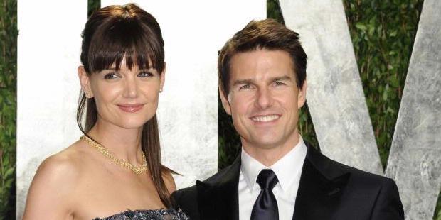 Katie Holmes Lepas Cincin Kawin - Kate Holmes Cerai - Perceraian Katie Holmes Dengan Tom Cruise - Katie Holmes - Katie Holmes - Tom Cruise