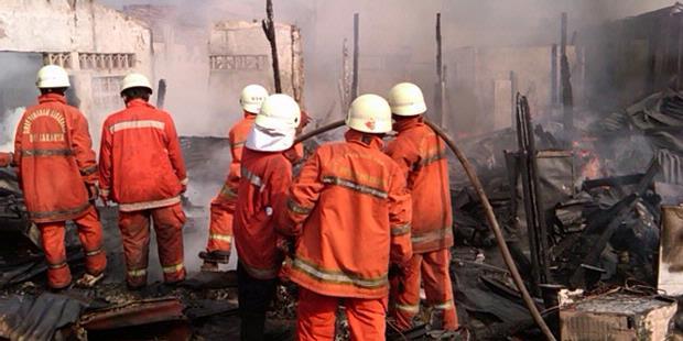 Foke Serahkan Penyelidikan Kebakaran pada Polisi