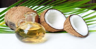 Minyak kelapa mencegah kerusakan gigi