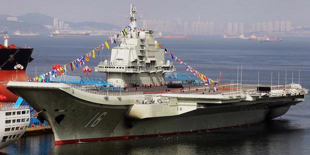 China Sukses Daratkan Jet Tempur di Kapal Induk