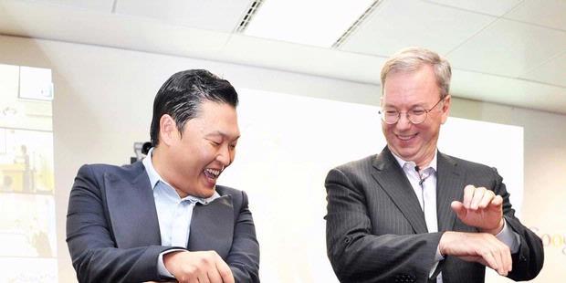 "CEO Google Ikut Joget ""Gangnam Style"""