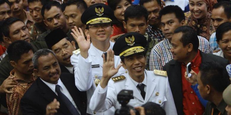 Tangan usai dilantik menjadi gubernur dan wakil gubernur di