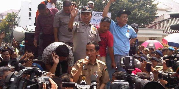 Sore Ini Jokowi Tetapkan UMP Rp 2,2 Juta