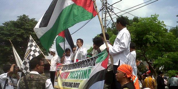 PKS Menyulut 7 Meriam Bambu untuk Palestina