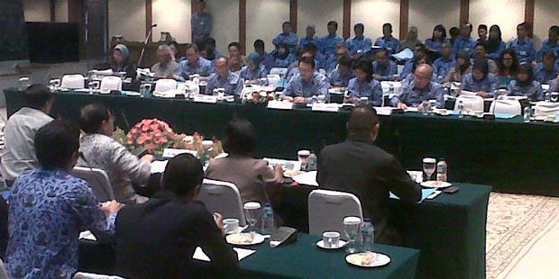 Basuki Tantang DPRD Gelar Rapat Terbuka