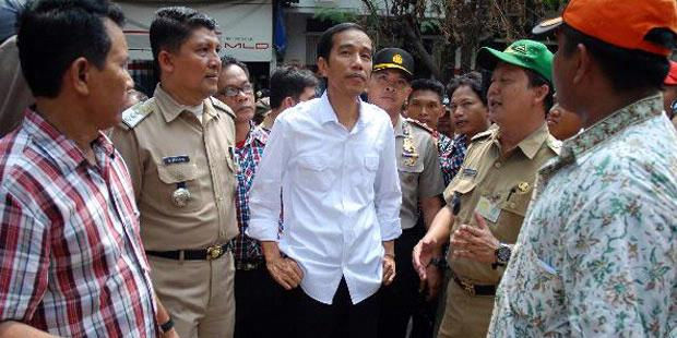 Jokowi: Tak Usah Bicara Wilayah, yang Penting Warga Selamat