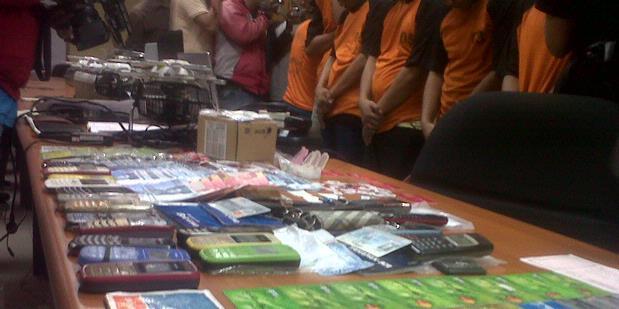 Polisi Tangkap Enam Pelaku Penipuan Bermodus SMS
