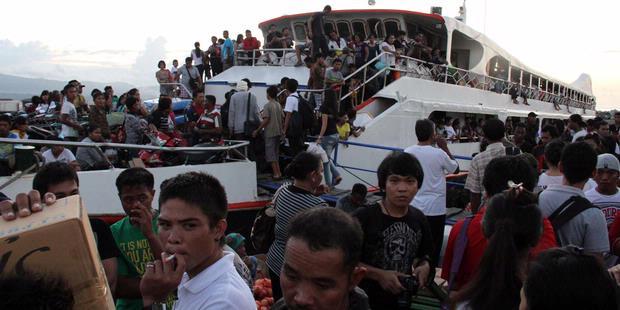 Ratusan Penumpang Kapal Bayar Tiket setelah Berangkat