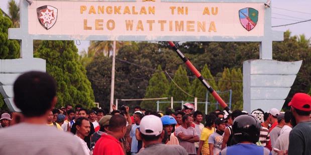 Bupati Dihina, Warga Morotai Demo TNI AU