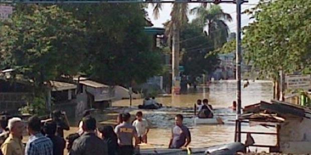 Sungai Bekasi Meluap, Kawasan Jatiasih Lumpuh