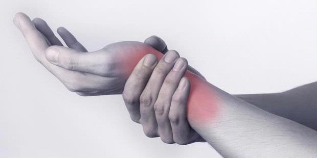 Pertolongan Pertama Saat Otot terkilir / Keseleo