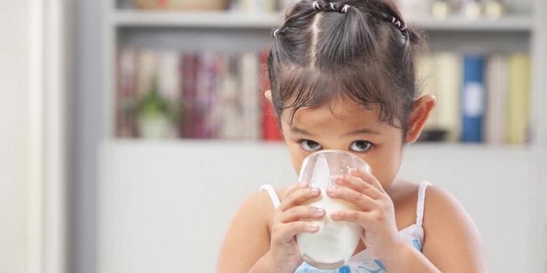 Susu Itu Pelengkap, Bukan Sumber Gizi Utama