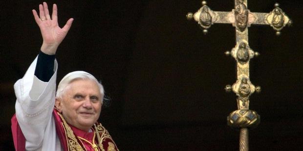 Profil Paus Benediktus XVI (2)