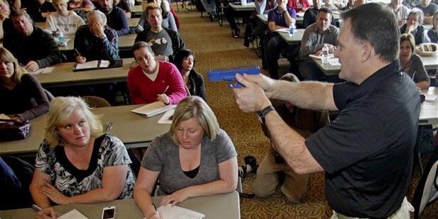 Dakota Selatan Akan Persenjatai Guru Sekolah