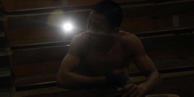 Juara dunia kelas bulu versi IBO, Daud Yordan, ketika berlatih di