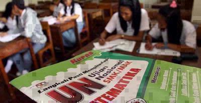 Pengumuman hasil Ujian Nasional 2013, daftar siswa dengan nilai terbaik ujian Nasional SMA 2013