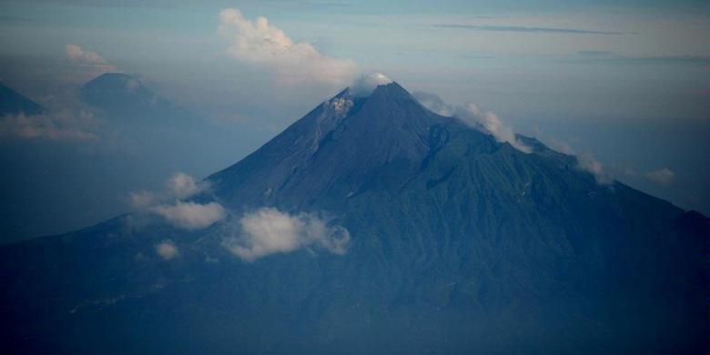 Informasi Jalur Hingga Tiket Pendakian Gunung Merapi, Simak Di Sini…