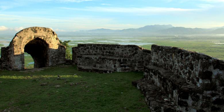 Akhir Pekan, Benteng Otanaha Ramai Pengunjung
