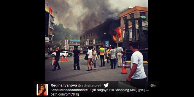 Nagoya Hill Batam Terbakar, 3 Mobil Meledak