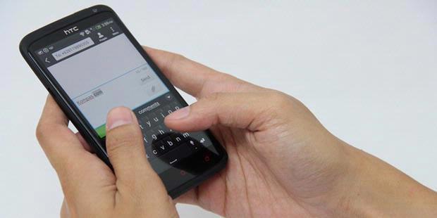 JAKARTA, KOMPAS.com – Indonesia tercatat sebagai negara dengan jumlah penyelenggara telekomunikasi seluler terbanyak di dunia jika dibandingkan dengan ...