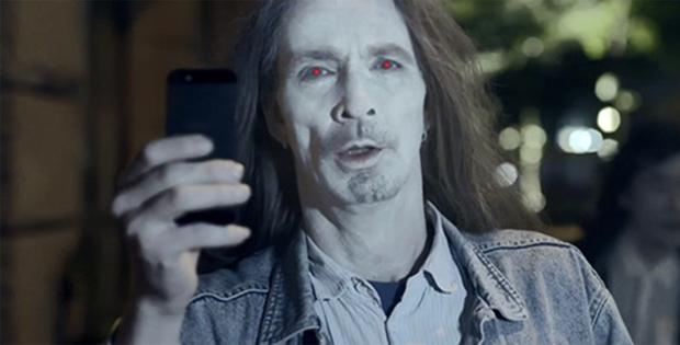Nokia Ledek Pengguna iPhone Seperti Zombie