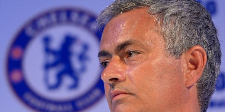 Agen bola - Mourinho: Tak Perlu Jual Pemain demi Rooney