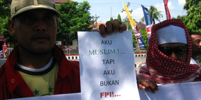 Solidaritas Warga Kendal Tuntut Bubarkan Fpi Kompas Com
