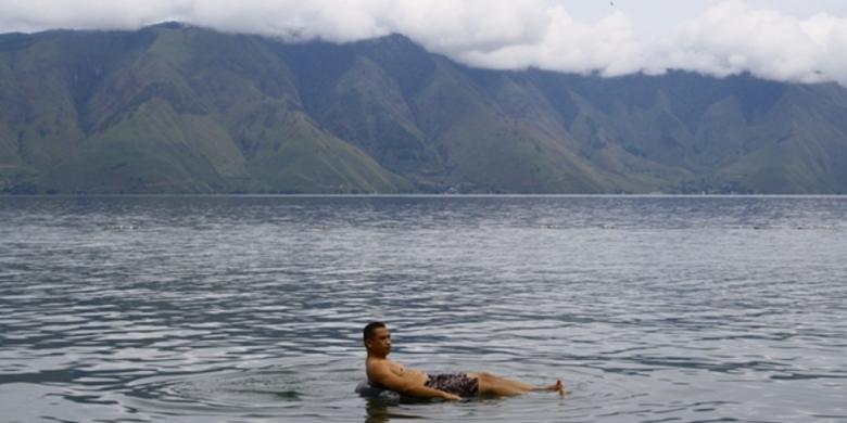 0844199pantai pasir putih 2780x390 » Memompa Air Liur Di Tanah Batak, Horas!