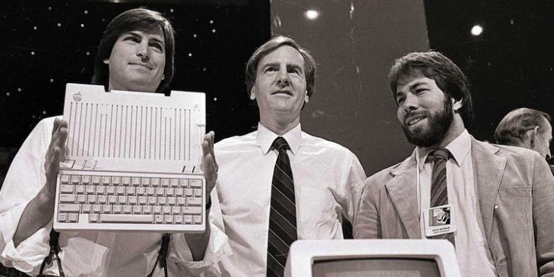 Yuk Lihat Gimana Kisah Cinta Steve Jobs