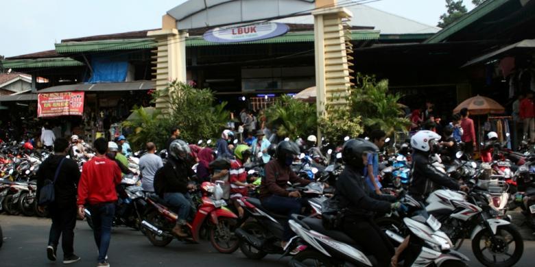 Pasar Taman Puring Surganya Sepatu Murah