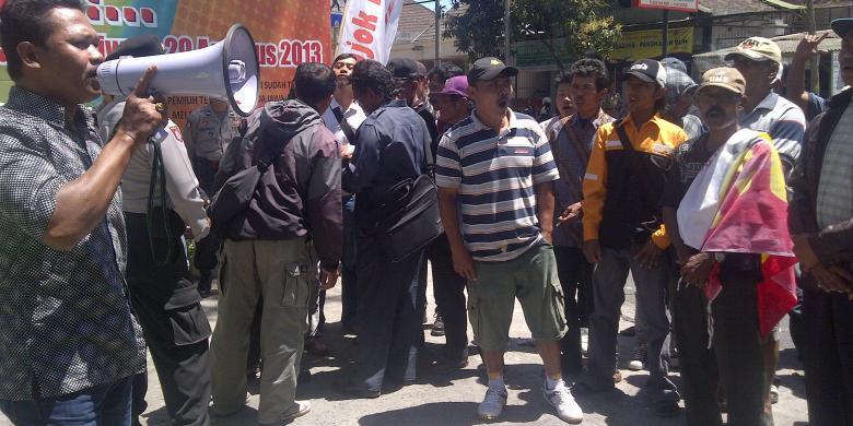 Nyaris Bentrok di Pasar Blimbing , Karena Unjuk Rasa Pedagang